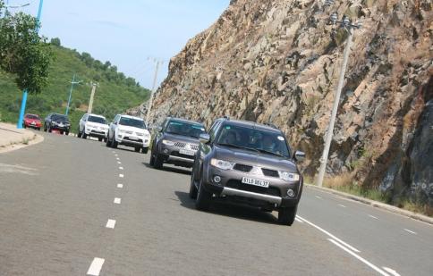 Mitsubishi Caravan 2012 tới miền Bắc