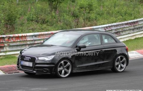 Audi S1 lần đầu lộ diện