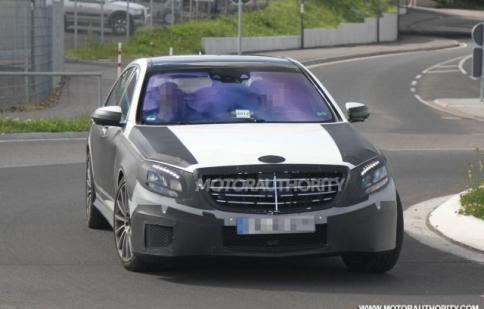 Mercedes S class 2013 sắp hoàn thành