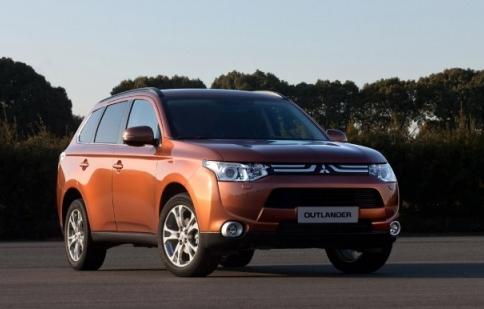Mitsubishi Outlander gia nhập dòng xe chạy điện