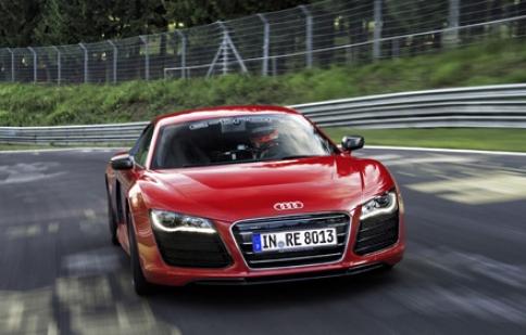 Audi R8 E-tron lập kỷ lục tại Nurburgring