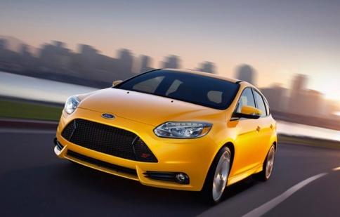 Ford Focus ST 2013 chỉ tiêu tốn 7.35 lít/100km