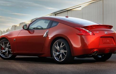 Nissan công bố giá dòng Nissan 370Z 2013