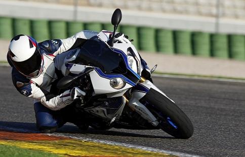 BMW giới thiệu phiên bản cao cấp của S1000 RR 2012