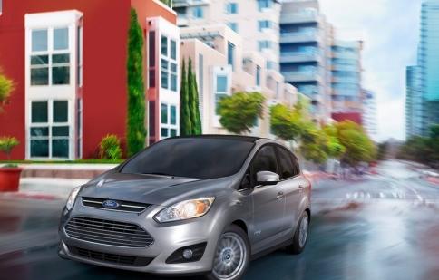 Ford Fusion Hybrid kế thức công nghệ từ C-Max