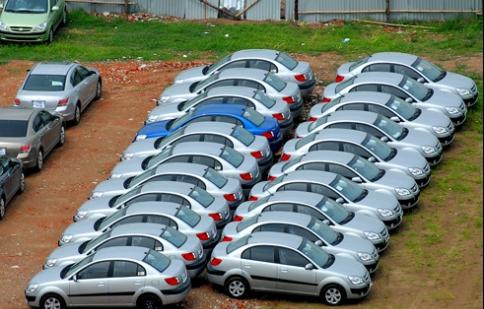 Doanh nghiệp nhập khẩu ôtô có nguy cơ rơi vào thế bí