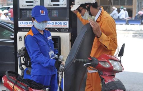 Bác bỏ đề xuất tăng giá xăng dầu