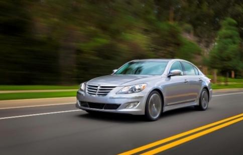 Hyundai Genesis Sedan 2013 đã có giá bán chính thức