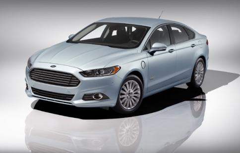 Ford Fusion Energi 2013 có giá từ 39.495 USD