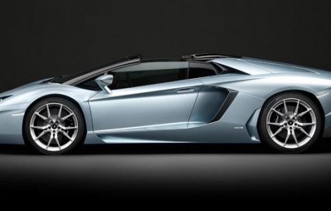 Lamborghini Aventador Roadster sẽ có giá 441.600 USD tại Mỹ