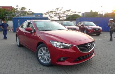 4 chiếc Mazda6 2014 cập cảng Sài Gòn