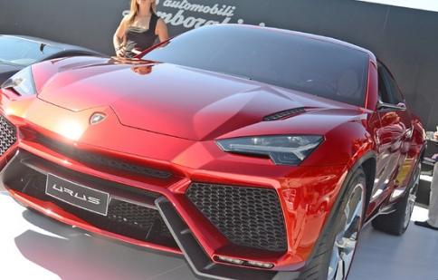 Lamborghini Urus sẽ gác lại đến 2017