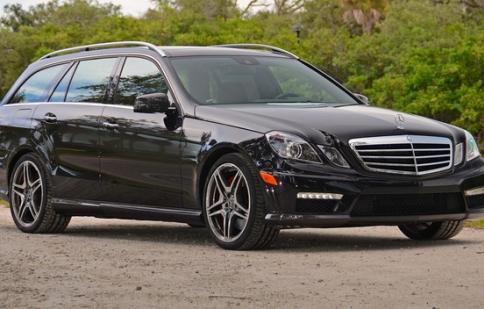 Mercedes bị BMW bỏ xa tại Mỹ