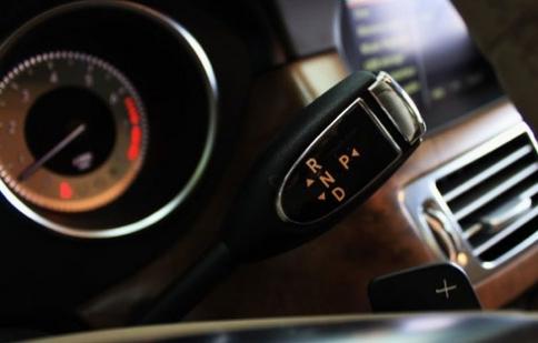 Từ 1/1/2013, cơ sở đào tạo lái ôtô phải có xe số tự động