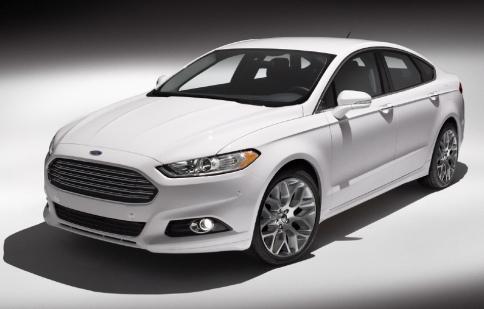 Ford Fusion plug-in hybrid chỉ tiêu tốn 2.3 lít/100km