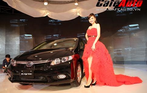 Mua Honda Civic nhận lì xì 30 triệu đồng