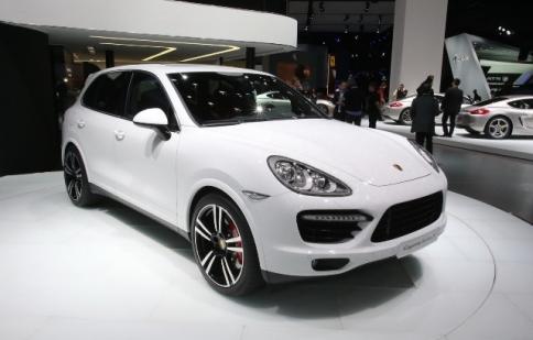 Porsche Cayenne Turbo S – cơn bảo tại Detroit Show