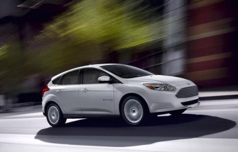 Ford Focus Electric giảm giá chưa từng thấy