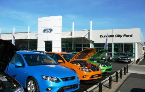 Doanh số và thị phần Ford tuột dốc năm 2012