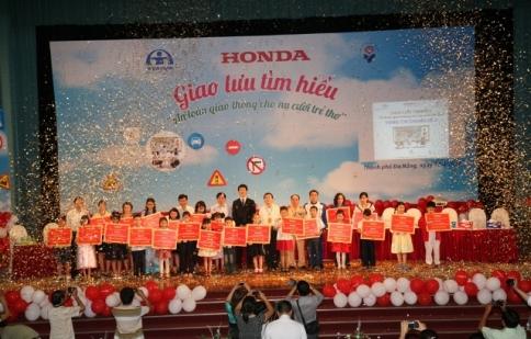 Honda Việt Nam tổ chức hội thi ATGT và nụ cười trẻ thơ