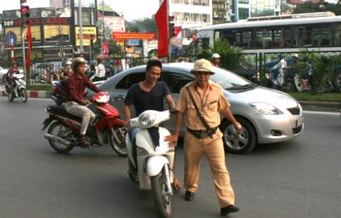 Có đăng ký xe sẽ không bị phạt lỗi 'không chính chủ'