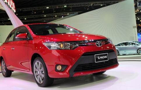 Toyota Vios 2013 có giá gần 400 triệu đồng
