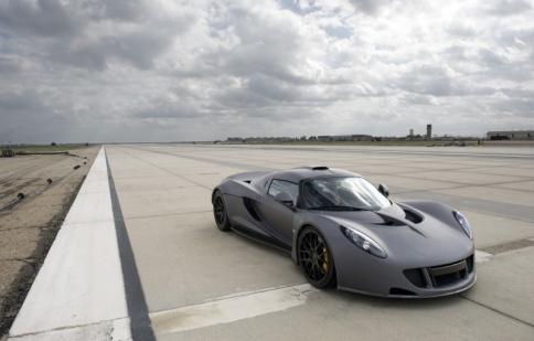 Hennessey Venom GT - siêu xe nhanh nhất thế giới