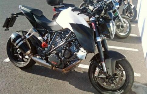Chụp lén KTM 1290 Super Duke