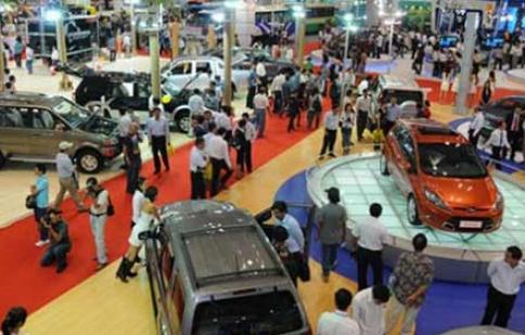 Người Việt mua nhiều ôtô bất thường