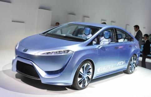 Xe chạy pin của Toyota có giá tới 100.000 USD