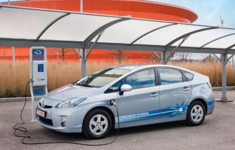 Toyota Prius chiếc xe Hybrid được nhắc tới nhiều nhất