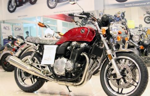Honda CB1100 2013 đầu tiên tại Việt Nam
