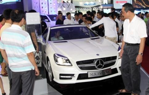 Thị trường ô tô tăng tốc nhờ thuế trước bạ