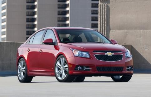 Chevrolet Cruze thế hệ mới bị hoãn tới năm 2016