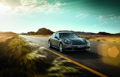 Porsche Panamera sẽ về Việt Nam với giá 4,5 tỷ đồng