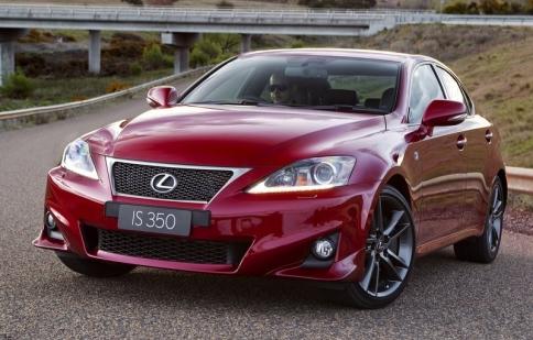 Toyota thu hồi 370,000 xe vì lỗi kỹ thuật