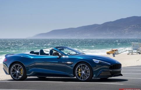 Aston Martin Vanquish Volante ra mắt ở Canada