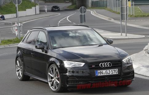 Audi lộ diện mẫu hatchback RS3