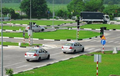 Đào tạo, sát hạch lái xe: Còn nặng về hình thức