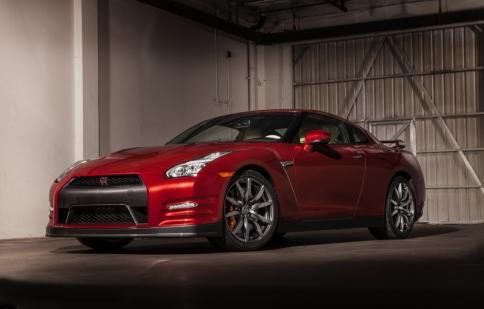 Nissan GT-R 2015: hướng đến khách hàng đô thị