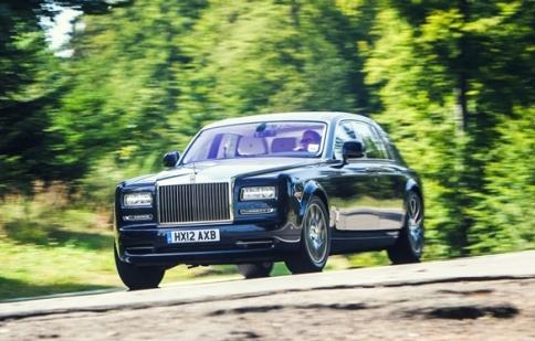 """Rolls-Royce đạt giải """"thương hiệu hạng sang của Anh"""""""