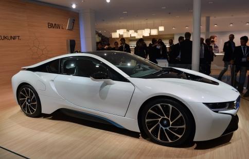 BMW: i8 cháy hàng, i3 hút khách