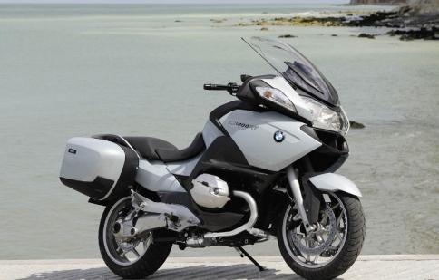 BMW triệu hồi hơn 50.000 xe mô tô