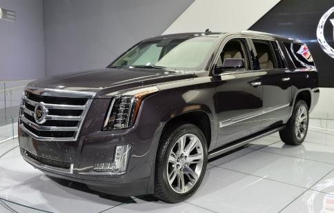 Cadillac Escalade 2015 lên kệ vào tháng 4 giá từ 71.695 USD