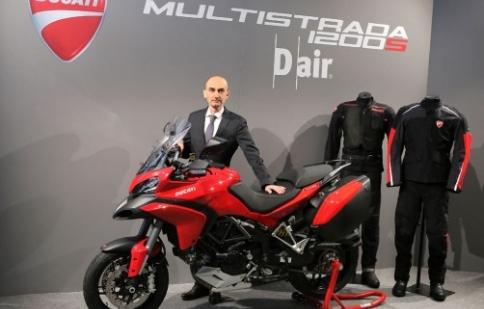 Ducati Multistrada 1200 tích hợp túi khí ra mắt