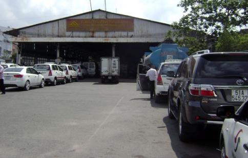 Ùn ứ xe ở các trạm đăng kiểm