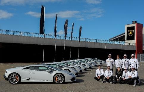 Lamborghini sử dụng Huracan cho khóa học đua xe