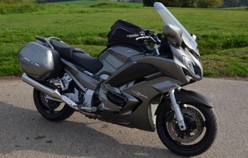 Yamaha FJR1300A GT thêm phụ kiện giá không đổi