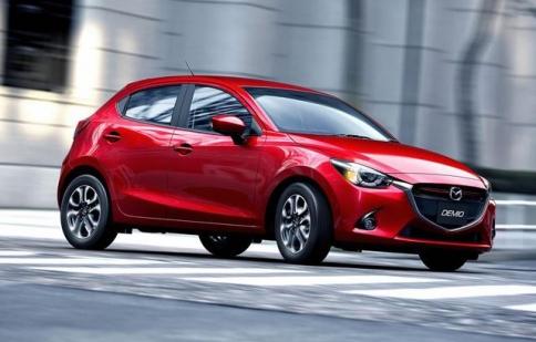 Mazda2 2015 chính thức lộ diện