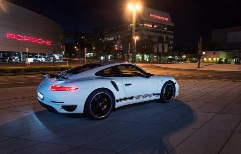 Porsche mừng sinh nhật lần thứ 40 của 911 Turbo bằng bản GB Edition